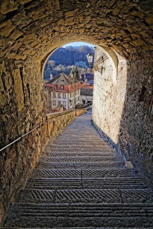 escaliers-court-chemin