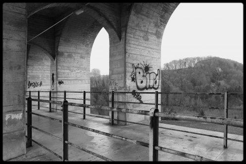 pont-grandfey-graffitis