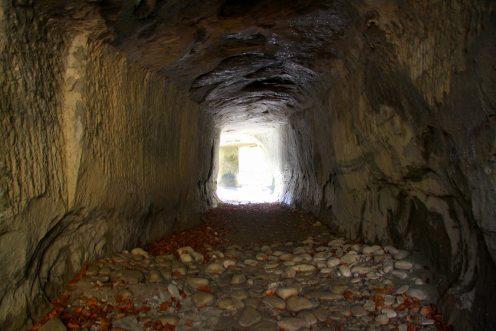 grotte-tunnel-hauterive