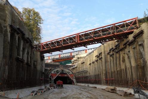 tunnel-poya-train