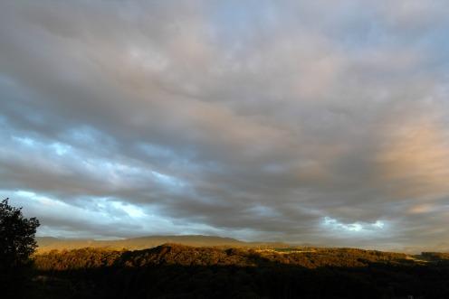 coucher-soleil-ciel-nuageux